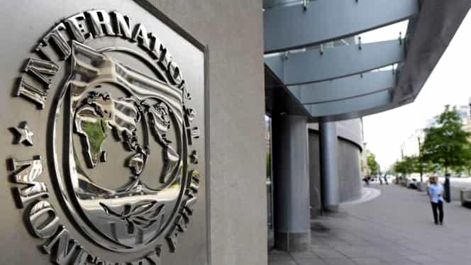 O româncă, posibila şefă a misiunii FMI în Grecia