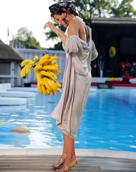 Poze sexy cu Alina Eremia în costum de baie! Vedeta a renunțat la inhibiții și a arătat tot