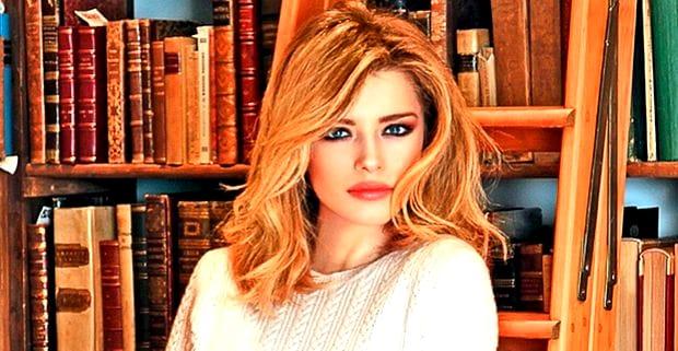 Alexandra Dinu a revenit în România! Actrița renegocieză pensia alimentară pentru Mario