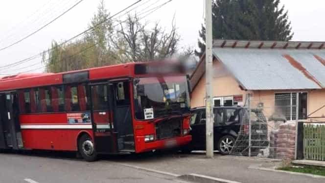 Accident grav în județul Prahova! A explodat pneul unui autobuz în care se aflau 14 persoane