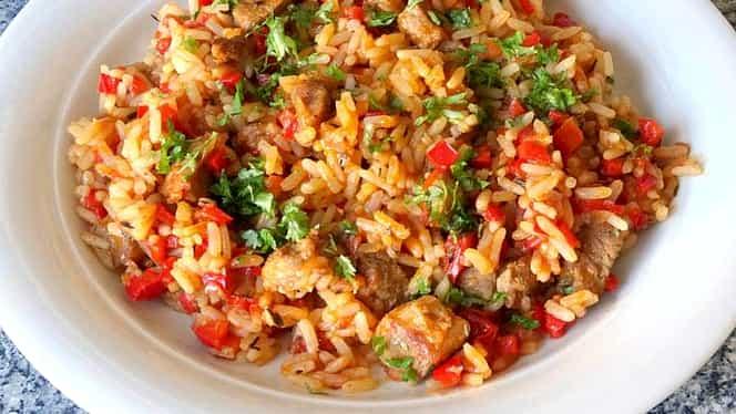 Pilaf și orez sârbesc. Trebuie să mânânci dacă nu ai făcut-o niciodată
