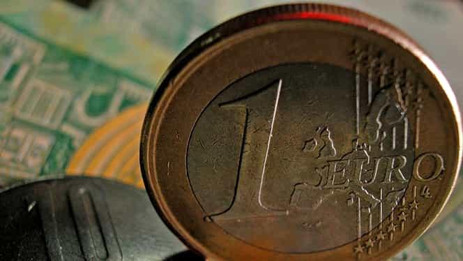 Euro depăşeşte 4,52 lei, pe fondul îngrijorărilor legate de Brexit