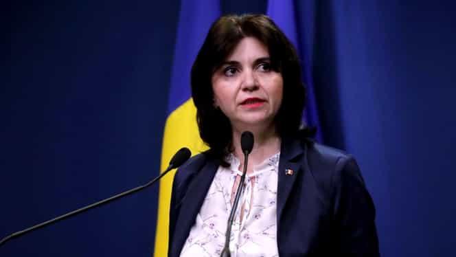 """Reacţia ministrului Educaţiei cu privire la îngheţarea anului şcolar: """"Nu există sub nicio formă acest scenariu"""""""