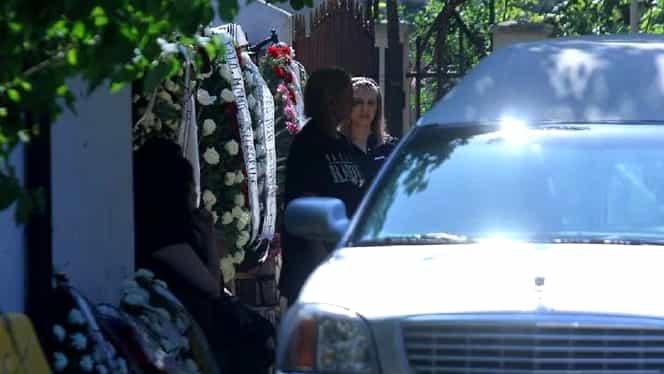 Nelu Ploieșteanu își îngroapă fiul. Mama băiatului aproape că a leșinat când Mihăiță a plecat din casă