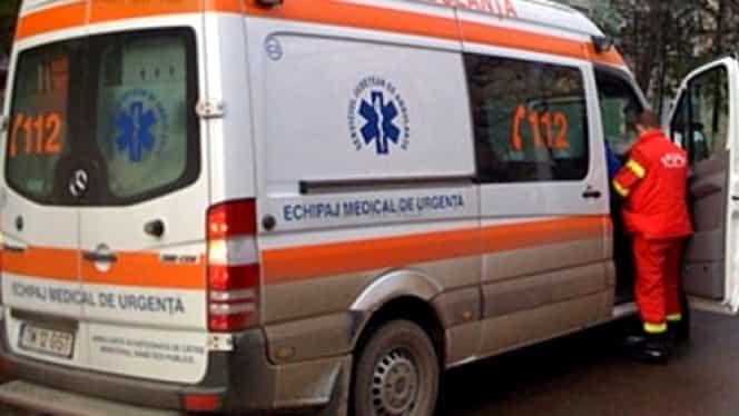 Accident groaznic în Vrancea. O soferiță de 19 ani a călcat 5 pietoni aflaţi pe trotuar. Toţi au ajuns la spital