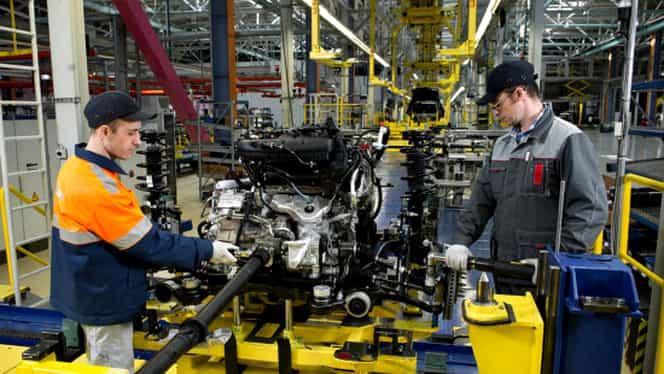 Guvernul va reglementa nivelul salariului brut! Decizia loveşte şi în mediul privat