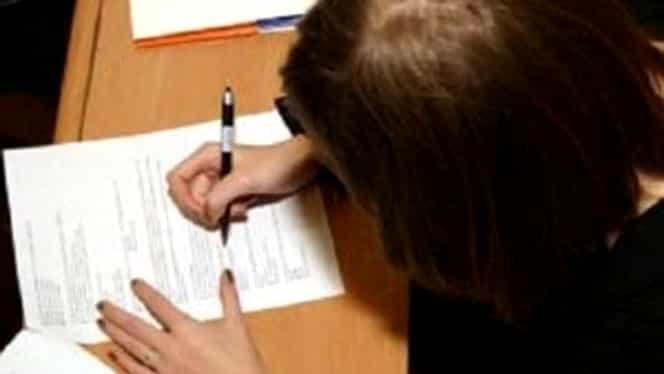 """Scrisoarea teribilă a unei profesoare dintr-un liceu din Ploieşti către Ministerul Educaţiei! """"M-a înjunghiat!"""""""