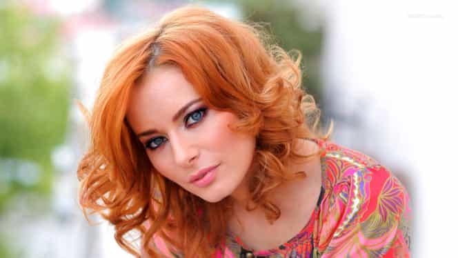 Laura Cosoi, în pline pregătiri de nuntă! Ce zice blondina despre buchetul miresei?