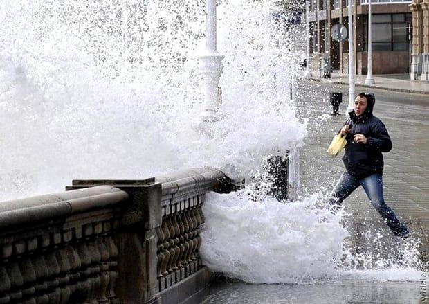 Fotografii rare care taie respirația. O secundă înainte de... dezastru! Priviți și cruciți-vă! (37)