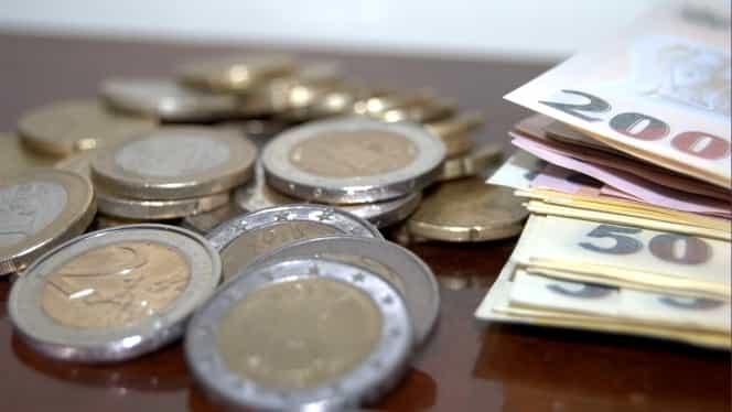 CURS BNR.  Leul scade faţă de euro