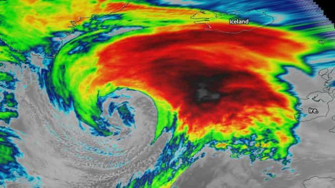Furtuna Dennis a ajuns în Islanda! Curenții de aer au atins peste 200 km/h. Video