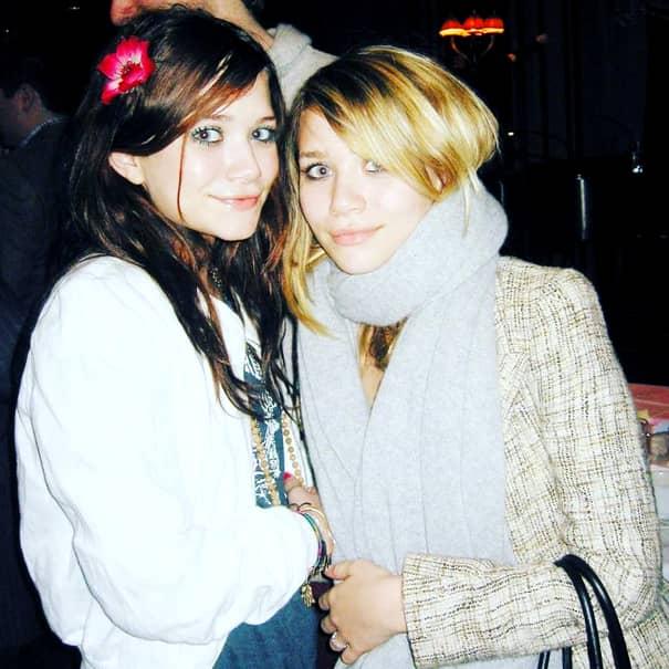Gemenele Olsen, complet schimbate la vârsta de 32 de ani. Mary-Kate și Ashley s-au pozat împreună la un eveniment – GALERIE FOTO