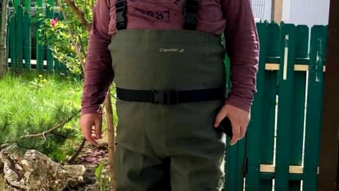 Florin Călinescu este în autoizolare, departe de forfota orașului. Are grijă de bibilici, purcei, rațe și gâște
