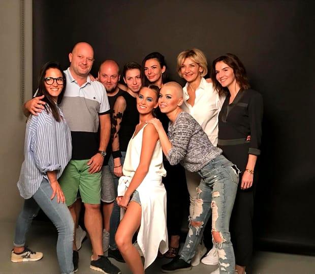 Misha s-a fotografiat alături de echipa cu care a lucrat la Budapesta