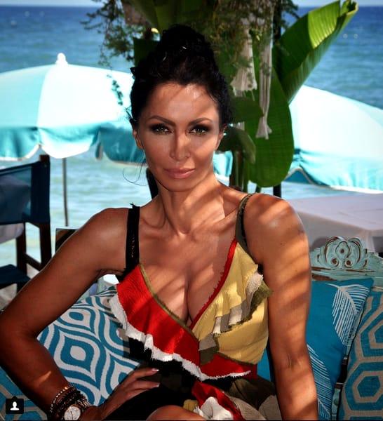 Mihaela Rădulescu i-a înnebunit pe fani. Sport în pisicină, la 51 de ani. FOTO