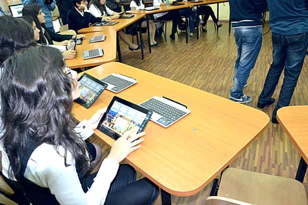 Proiect pentru dotarea școlilor cu table inteligente și tablete electronice