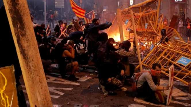 Cele mai violente proteste din Catalonia: Peste 1 milion de oameni au ieșit pe străzi în Barcelona. Video