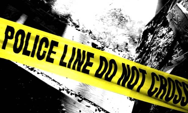 Un bărbat și-a omorât nevasta, după care s-a sinucis în fața sicriului! Poliție