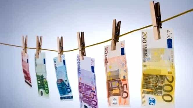 Comisia Europeană somează România privind aplicarea directivelor pentru spălarea banilor