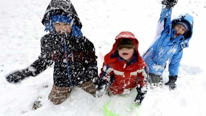 Când pică vacanța de iarnă pentru elevi și studenți. Aceștia vor avea trei săptămâni de pauză