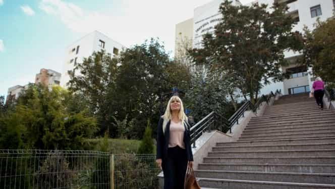 Însărcinată cu gemeni, Elena Udrea a anunţat în ce condiţii se întoarce în România