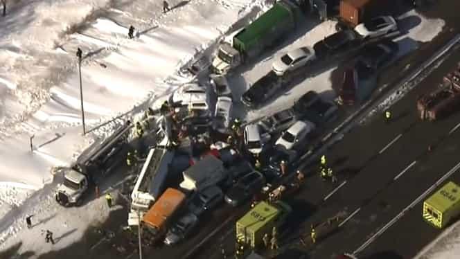ALERTĂ! Accident înfiorător cu 200 de mașini implicate! Doi morți și zeci de oameni răniți. Video
