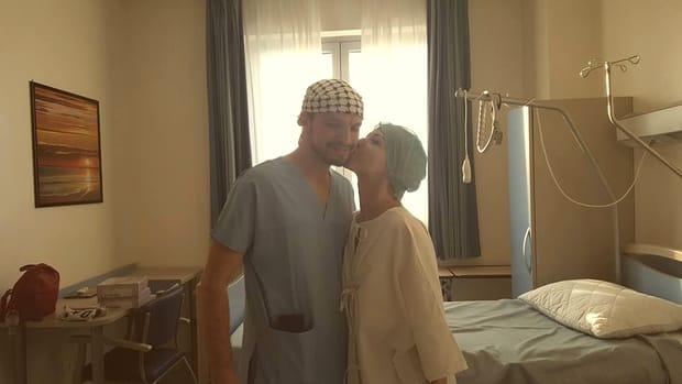 O fostă asistentă TV, desfigurată, după ce s-a intoxicat cu silicon