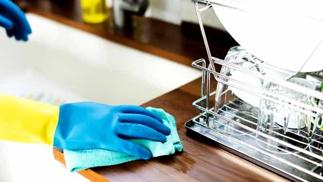 Bicarbonatul de sodiu te ajută în curățenia de toamnă. Cele mai rapide trucuri pentru toate gospodinele