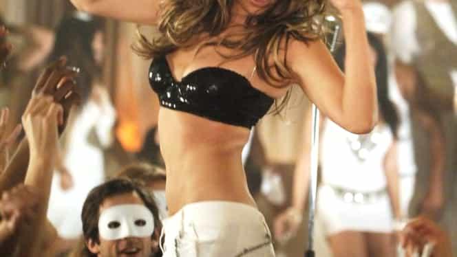 Thalia, in bikini la 45 de ani! Cum poate arata acum mexicanca sexy despre care se spune ca si-a scos doua coaste ca sa fie impecabila