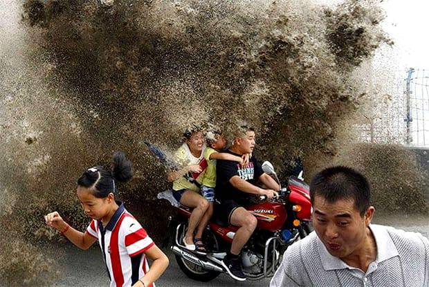 Fotografii rare care taie respirația. O secundă înainte de... dezastru! Priviți și cruciți-vă! (44)