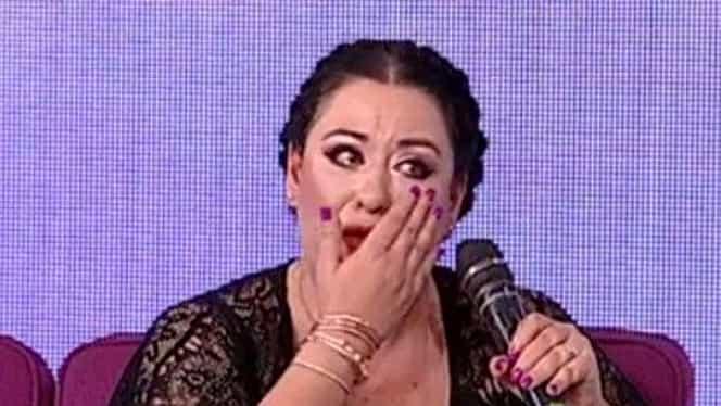 """Oana Roman, în lacrimi la TV! """"Nu m-a sunat nimeni din familie!"""""""