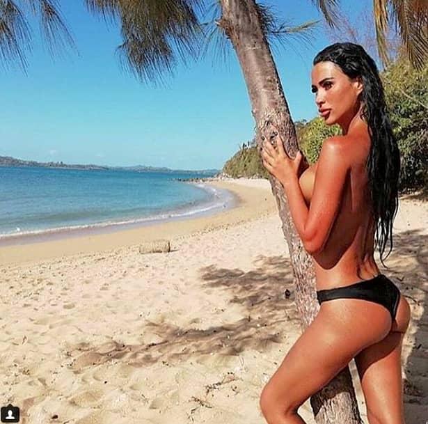 Imaginile sexy ale danielei crudu din madagascar