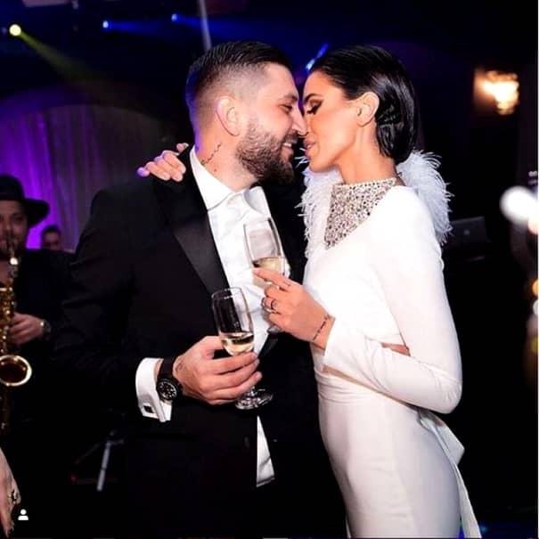 Cât de mult s-a schimbat Adelina Pestrițu de la prima sa nuntă, cea cu Liviu Vârciu. Au trecut 10 ani de atunci. FOTO