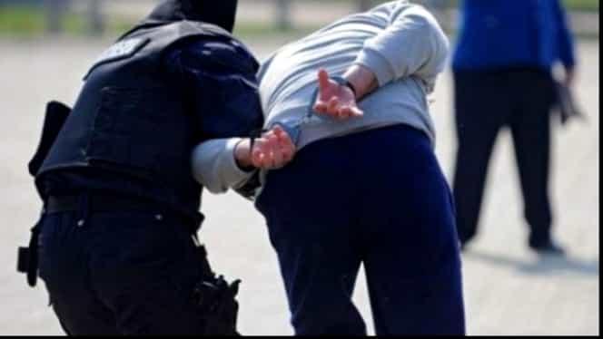 Un comisar din Alba Iulia, prins în flagrant când lua 1800 de lei mită!