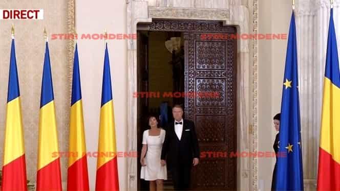 Cum s-a îmbrăcat Carmen Iohannis la recepția de la Palatul Cotroceni