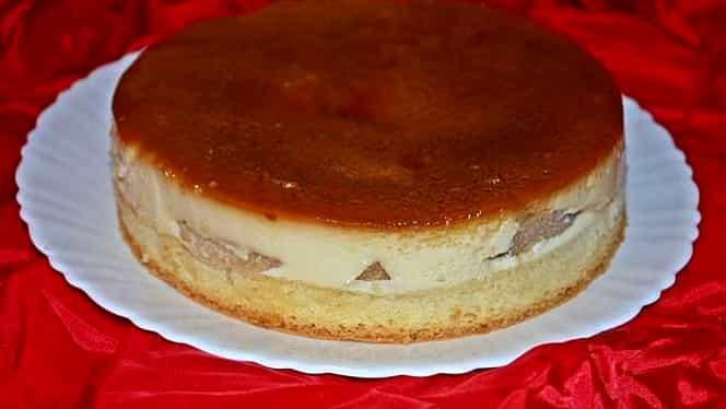 Rețeta zilei. Cum să prepari cel mai bun tort de mere cu cremă de zahăr ars