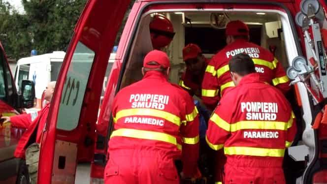 Microbuz răsturnat într-un șanț, în a doua zi de Crăciun: 6 oameni au fost răniți
