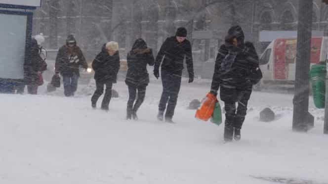 A fost convocat comandamentul de iarnă! Ce recomandă MAI  șoferilor pe timp de ninsoare