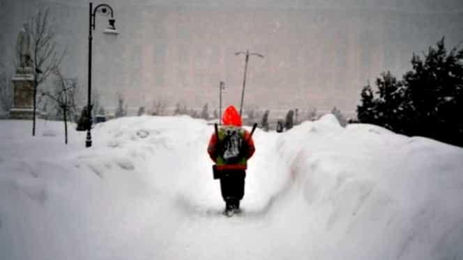 Şcolile au fost închise până vineri, din cauza ninsorilor căzute! Unde nu se vor face cursuri