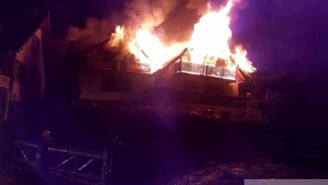 Incendiu devastator, la Moeciu! O casă de vacanţă a ars