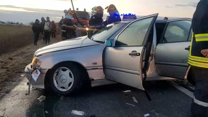 Accident rutier mortal în Timiș. Doi oameni au decedat, iar alți cinci au fost răniți