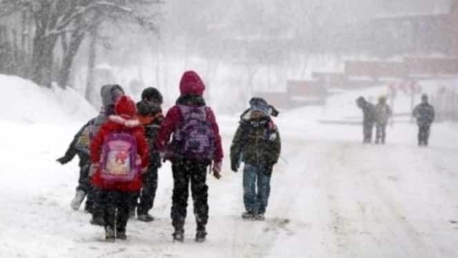 Se închid şcolile în România? Care sunt condiţiile şi ce zice Ministerul Educaţiei