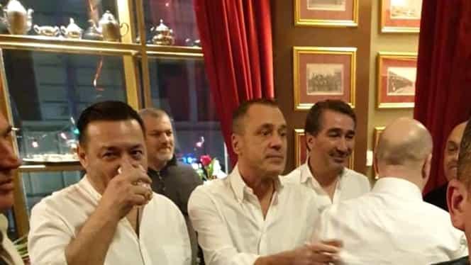 """Bairam de ziua lui Codrin Ștefănescu. Mugur Ciuvică, Vanghelie și deputatul """"Mitralieră"""", printre invitați. Foto"""