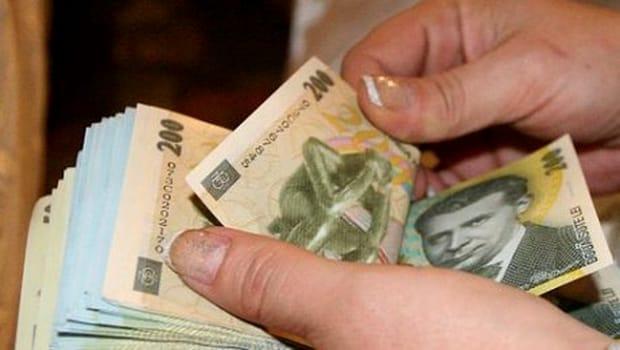 Domeniile în care salariile sunt peste 4.000 de lei. Unde se dau cei mai puțini bani