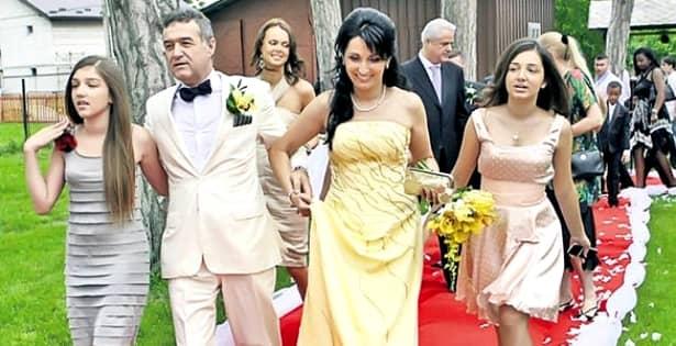 """Fiica lui Becali și iubitul, la Mamaia! Imagini în premieră cu Alexandra și """"ginerele"""" latifundiarului din Pipera"""