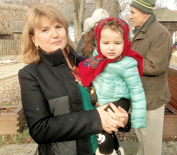 Maria Băsescu a fost una dintre invitații speciali la botezul din acest weekend! Însă, cum a apărut aceasta la marele eveniment al familiei Băsescu și de ce fosta primă Doamnă a fost cam scumpă la vedere? La botezul fiicei Elenei Băsescu, toți cei care au onorat invitația acesteia au fost numai unul și unul. În jurul orei 16, în ziua de 15 octombrie, toți s-au prezentat la Biserica Elefterie din Capitală pentru a o creștina pe micuța familiei.