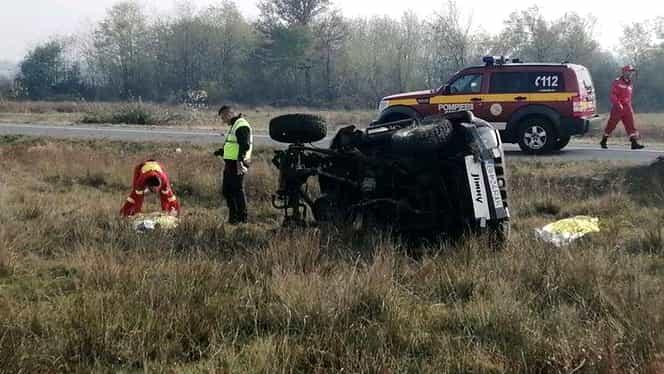 Părinții unei fetițe au fost uciși într-un grav accident rutier. Copila, preluată cu un elicopter SMURD
