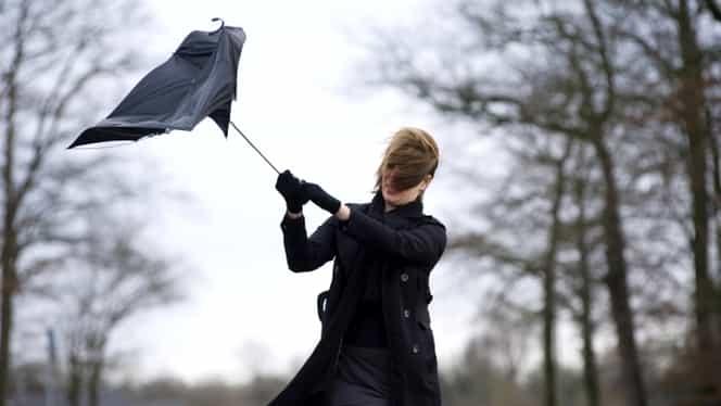 MAE, avertisment pentru românii din Slovenia! Este anunțat cod roșu de vânt