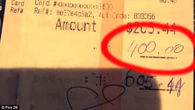 I-au dat chelneriţei un bacşiş FABULOS şi i-au pus o singură întrebare. I-au schimbat COMPLET viaţa