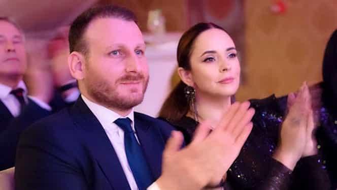 """Andreea Marin, răsfățată de iubitul consul! """"Zâna Surprizelor"""" a primit un superb inel cu safir și diamante"""